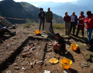 Fig. 04 - Ai piedi del Mont Fallère, 2200 m, una successione archeologica e paleobotanica dal Mesolitico all'Età del Rame.