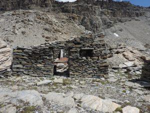07. Alloggiamento del fortino, aperto sullo spazio interno.