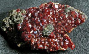 3. Granato grossularia