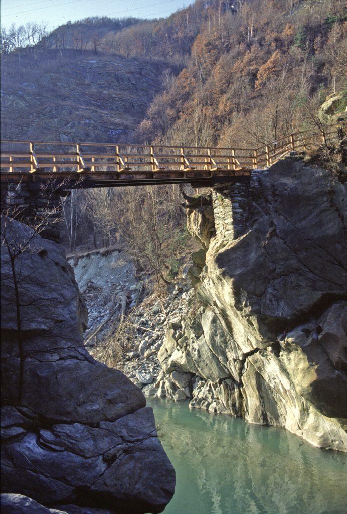 12. Ponte delle Capre