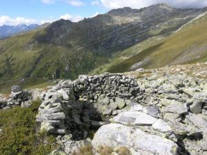 1. Cella relativamente ben conservata in insediamento alla quota di oltre 2500 m.