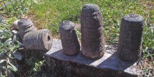 3. Scarti di lavorazione in cloritoscisto granatifero a grana grossa provenienti da antica officina in Valmeriana (Pontey).