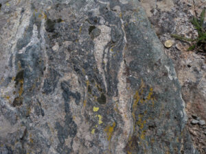 05 - le ressaut éclogitique du Chateau, poli par les anciens glaciers.