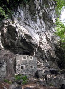 6. La casermetta cinque-seicentesca di Barma Cotse, oggetto degli studi di Ilda Dalle.