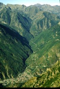 15. Le vallon de Pontboset dans sa partie continentale