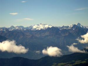 22 - Uno dei massicci cristallini visibili dalla Roisetta: il Gran Paradiso, geologicamente analogo al Monte Rosa.