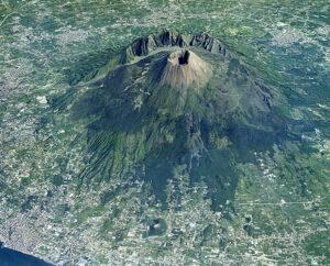 3.Il Vesuvio dall'aereo come Stoppani non l'ha mai visto, oscura minaccia per un insediamento urbano dalle dimensioni ingestibili in caso di allerta.