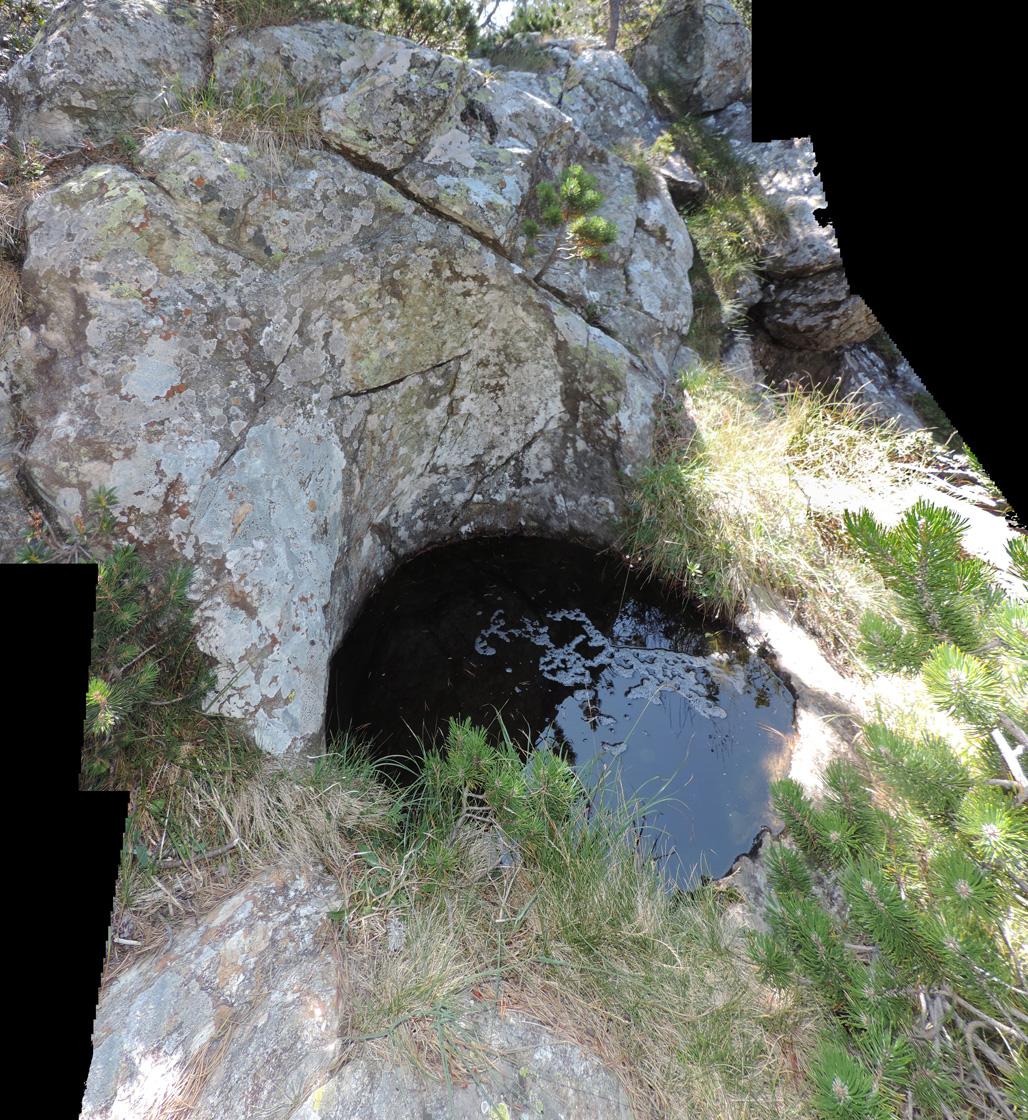 11. La marmitta principale sulla cresta del Monpey (Champorcher).