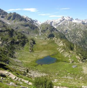 5. Lago del Ghiacciaio sotto il Rifugio Deffeyes (La Thuile)