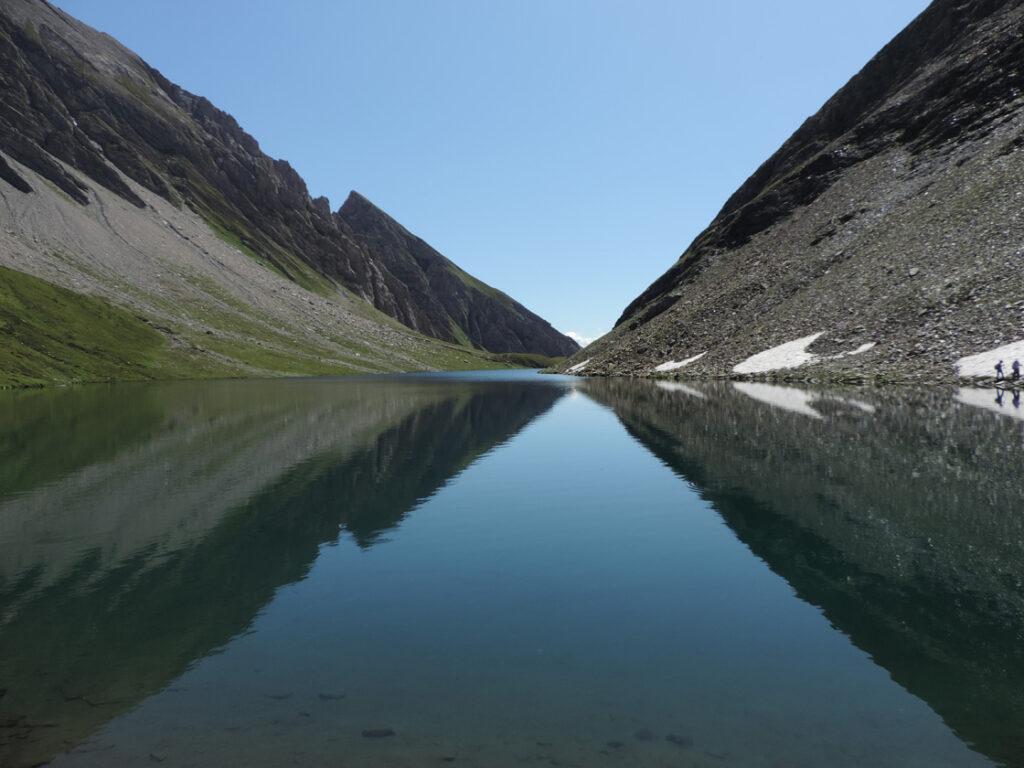 Il lago di Licony si imposta in forme glaciali a 2000 m di quota.